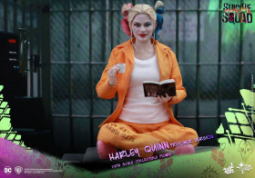 Фигурка Харли Квинн — Hot Toys Suicide Squad 1/6 Harley Quinn Prisoner Version