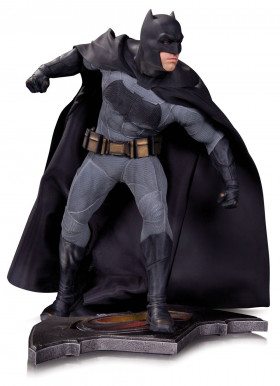 Фигурка Бэтмен Бэтмен против Супермена 30см — DC Collectibles Batman v Superman Dawn of Justice Statue Batman