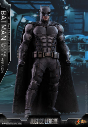 Фигурка Бэтмена — Hot Toys Justice League 1/6 Batman Tactical Batsuit